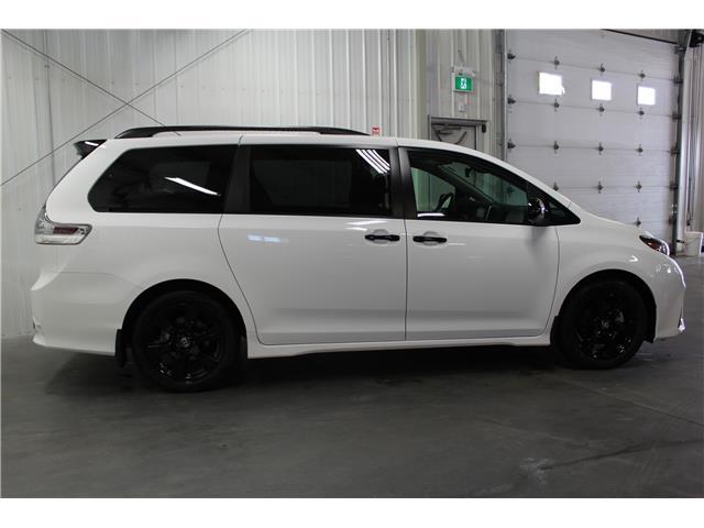 2020 Toyota Sienna SE 8-Passenger (Stk: S035557) in Winnipeg - Image 5 of 21