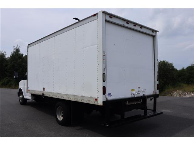 2011 GMC Savana Cutaway Standard (Stk: P19-105B) in Huntsville - Image 5 of 18