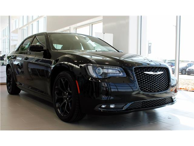 2019 Chrysler 300 S (Stk: V7251) in Saskatoon - Image 1 of 25