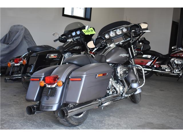 2016 Harley-Davidson FL- STREET GLIDE  (Stk: P36768) in Saskatoon - Image 4 of 7