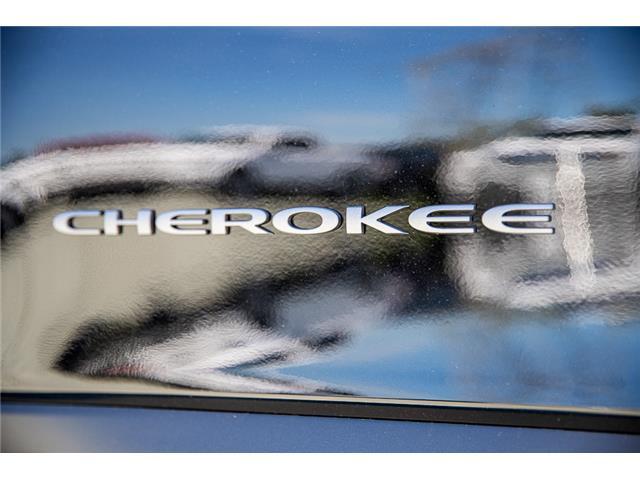 2019 Jeep Cherokee Trailhawk (Stk: K483240) in Surrey - Image 9 of 25
