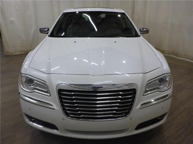 2011 Chrysler 300C AWD (Stk: 19072392) in Calgary - Image 2 of 23
