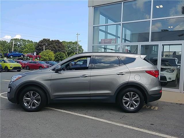 2016 Hyundai Santa Fe Sport 2.0T SE (Stk: 19005A) in New Minas - Image 2 of 18