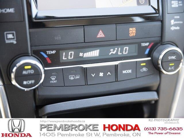 2015 Toyota Camry XLE V6 (Stk: 19225A) in Pembroke - Image 14 of 23