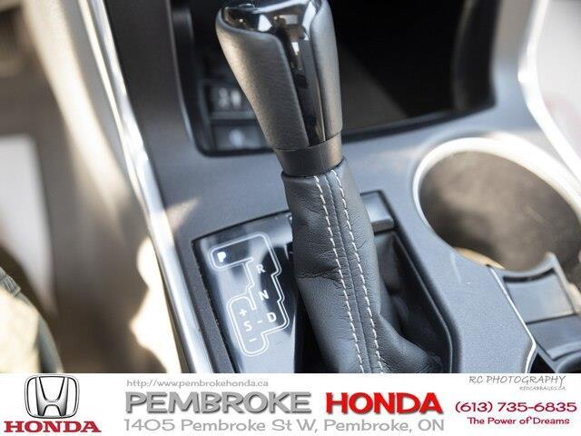 2015 Toyota Camry XLE V6 (Stk: 19225A) in Pembroke - Image 18 of 21