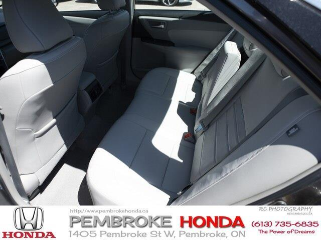2015 Toyota Camry XLE V6 (Stk: 19225A) in Pembroke - Image 16 of 21