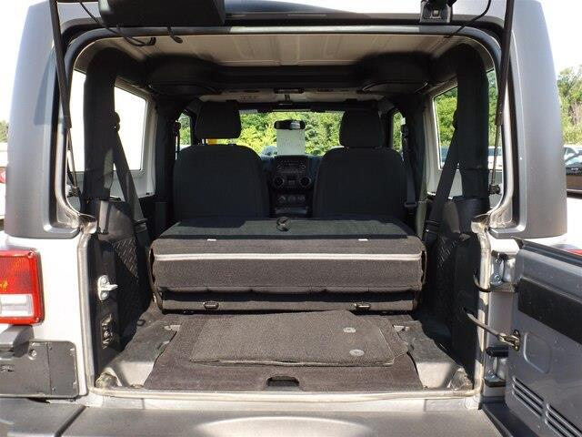 2015 Jeep Wrangler Sport (Stk: 18151A) in Pembroke - Image 14 of 17