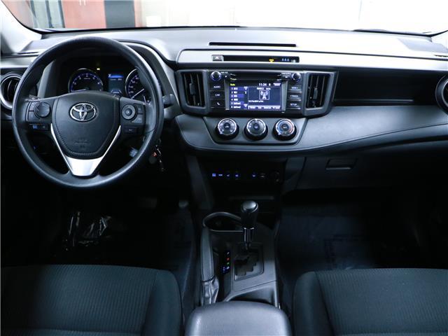 2018 Toyota RAV4 LE (Stk: 195757) in Kitchener - Image 5 of 31