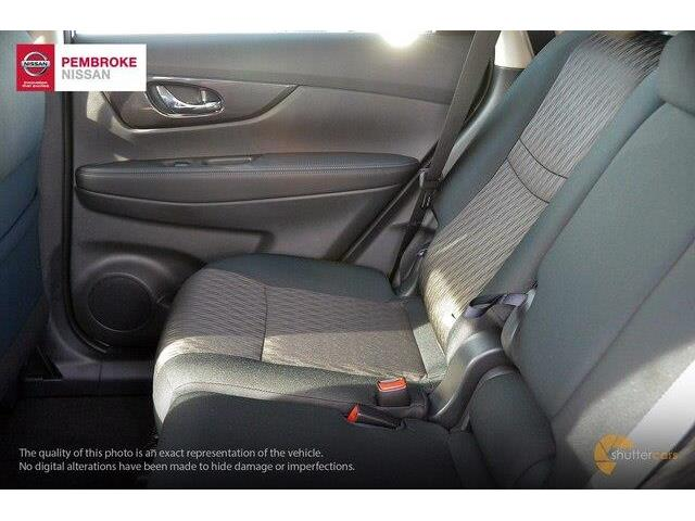 2018 Nissan Rogue S (Stk: SL18218) in Pembroke - Image 7 of 20