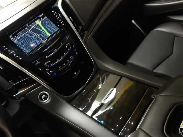 2019 Cadillac Escalade Platinum (Stk: 99581) in Burlington - Image 14 of 20