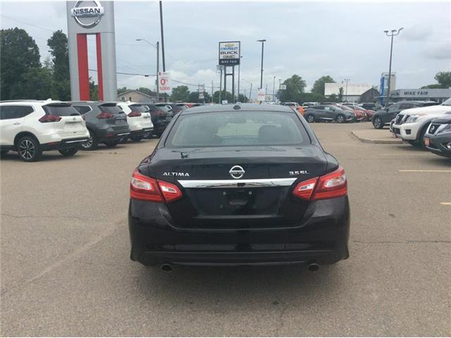2016 Nissan Altima 3.5 SL Tech (Stk: 19-312A) in Smiths Falls - Image 4 of 13