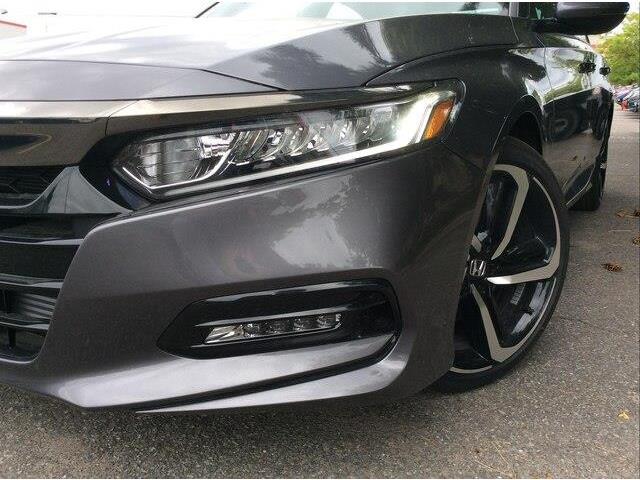 2019 Honda Accord Sport 2.0T (Stk: 19-0687) in Ottawa - Image 16 of 17