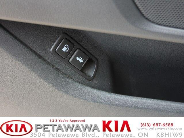 2014 Kia Optima Hybrid EX (Stk: 19068-1) in Petawawa - Image 16 of 22
