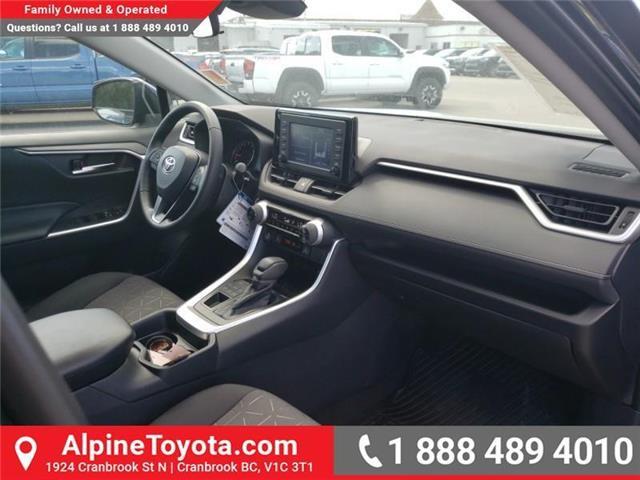 2019 Toyota RAV4 XLE (Stk: W059710) in Cranbrook - Image 11 of 25