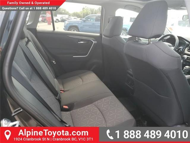 2019 Toyota RAV4 XLE (Stk: W059710) in Cranbrook - Image 12 of 25