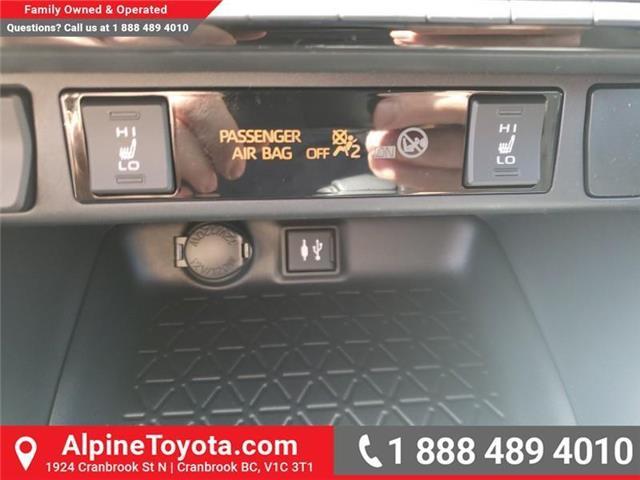 2019 Toyota RAV4 XLE (Stk: W059710) in Cranbrook - Image 20 of 25