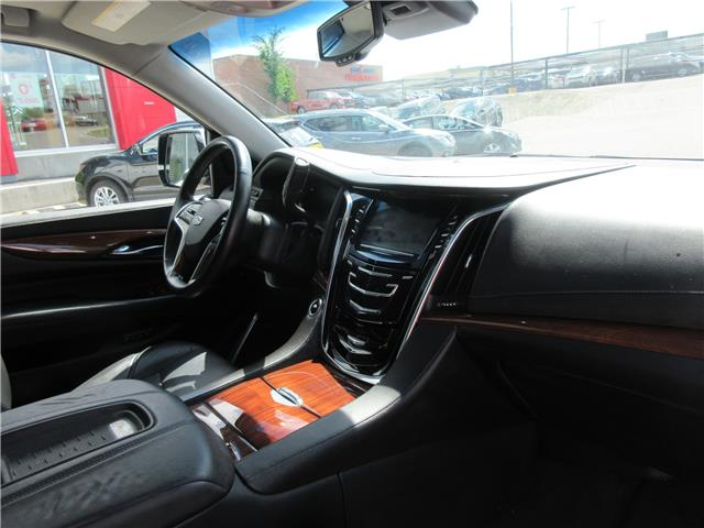 2016 Cadillac Escalade Premium Collection (Stk: 9326) in Okotoks - Image 34 of 41