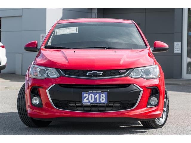 2018 Chevrolet Sonic LT Auto (Stk: P0422A) in Richmond Hill - Image 2 of 20