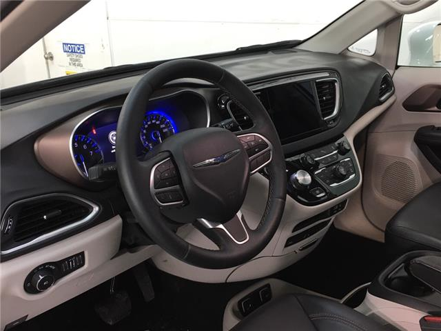 2018 Chrysler Pacifica Touring-L Plus (Stk: 35376W) in Belleville - Image 18 of 29