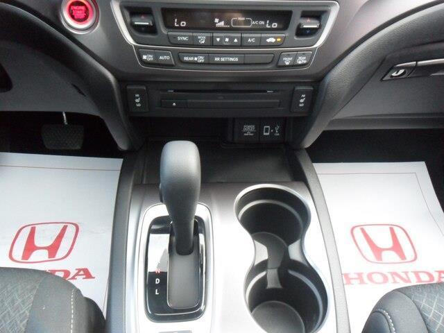 2019 Honda Ridgeline Sport (Stk: 10208) in Brockville - Image 12 of 21