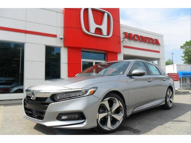 2019 Honda Accord Touring 2.0T (Stk: 10384) in Brockville - Image 1 of 27