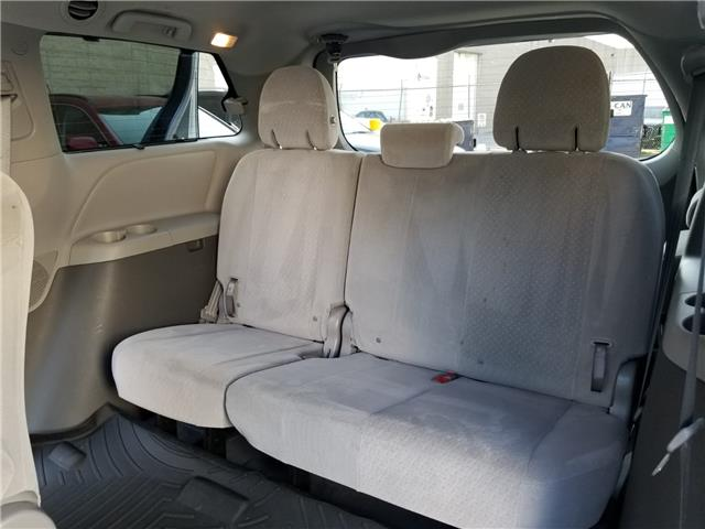 2015 Toyota Sienna LE 8 Passenger (Stk: ) in Concord - Image 10 of 21