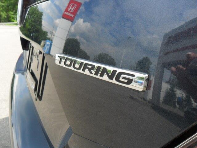 2019 Honda Civic Touring (Stk: 10589) in Brockville - Image 22 of 24