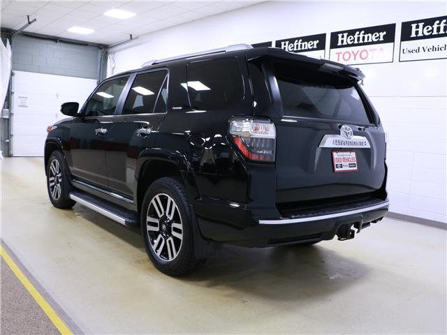 2017 Toyota 4Runner SR5 (Stk: 195674) in Kitchener - Image 3 of 34