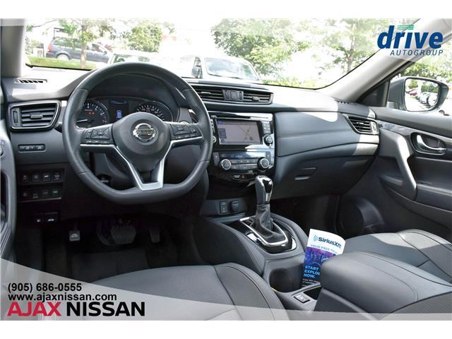 2017 Nissan Rogue SL Platinum (Stk: U676A) in Ajax - Image 2 of 36