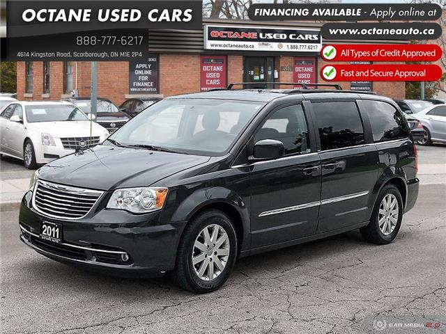 2011 Chrysler Town & Country Touring w/Leather (Stk: ) in Scarborough - Image 1 of 25