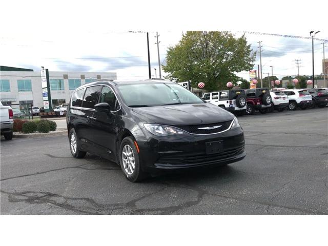 2019 Chrysler Pacifica Touring (Stk: 19283) in Windsor - Image 2 of 11