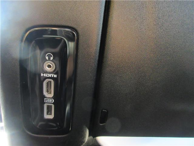 2018 Chrysler Pacifica Touring-L Plus (Stk: 9325) in Okotoks - Image 28 of 40