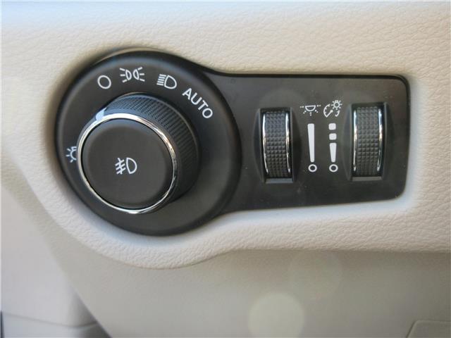 2018 Chrysler Pacifica Touring-L Plus (Stk: 9325) in Okotoks - Image 19 of 40