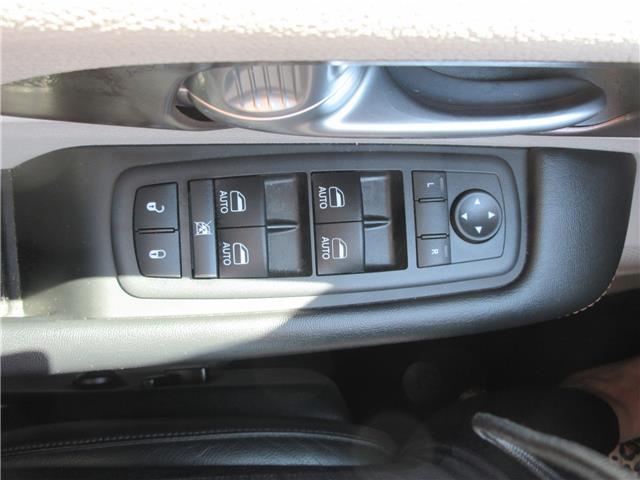 2018 Chrysler Pacifica Touring-L Plus (Stk: 9325) in Okotoks - Image 20 of 40