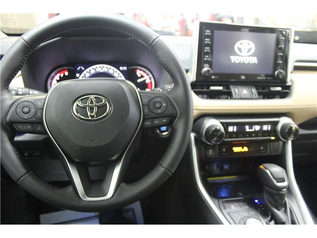 2019 Toyota RAV4 Limited (Stk: C037083) in Winnipeg - Image 12 of 30