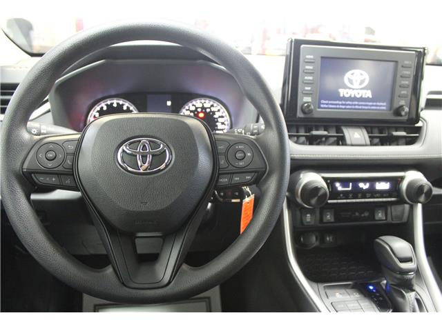 2019 Toyota RAV4 LE (Stk: C037023) in Winnipeg - Image 9 of 24