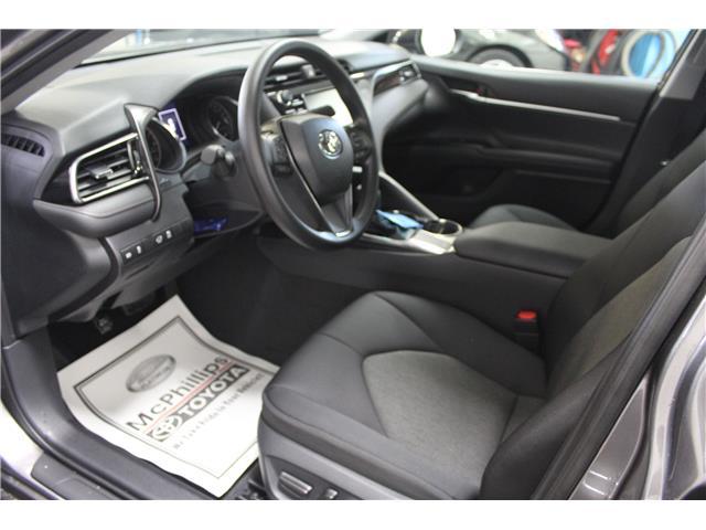 2019 Toyota Camry LE (Stk: U833098) in Winnipeg - Image 7 of 26
