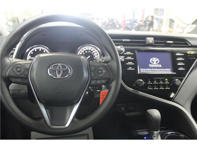 2019 Toyota Camry LE (Stk: U833098) in Winnipeg - Image 10 of 26