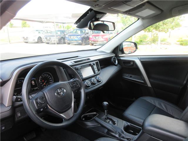 2017 Toyota RAV4 LE (Stk: 9324) in Okotoks - Image 2 of 29