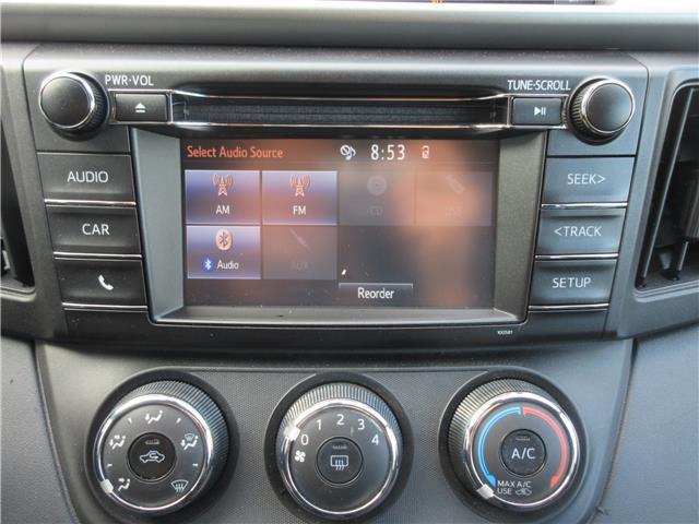 2017 Toyota RAV4 LE (Stk: 9324) in Okotoks - Image 3 of 29