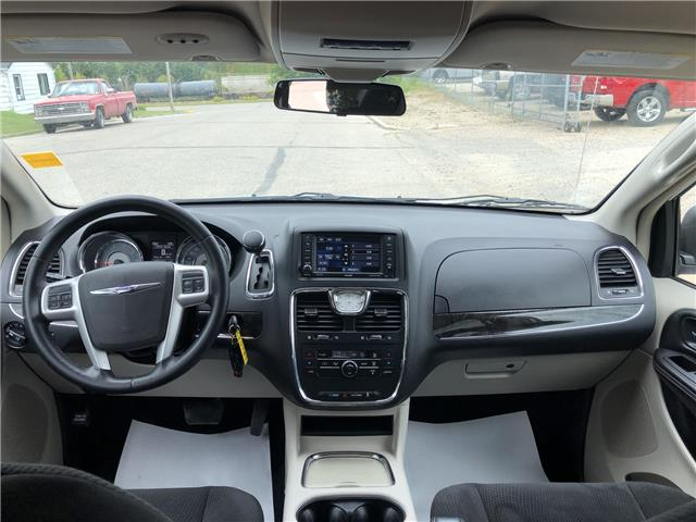 2015 Chrysler Town & Country Touring (Stk: T19-63B) in Nipawin - Image 11 of 28