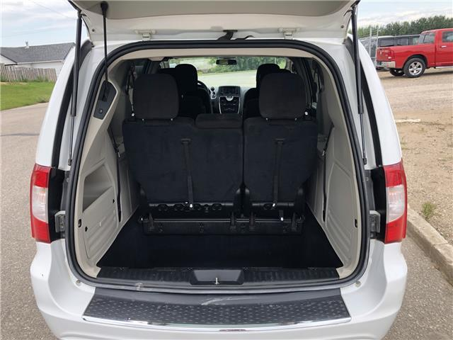 2015 Chrysler Town & Country Touring (Stk: T19-63B) in Nipawin - Image 24 of 28