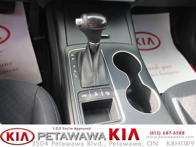 2017 Kia Sorento 2.0L LX Turbo (Stk: 19211-1) in Petawawa - Image 11 of 16