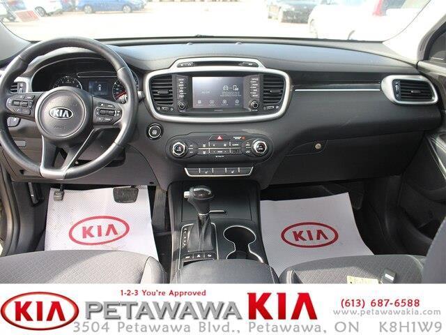 2017 Kia Sorento 2.0L LX Turbo (Stk: 19211-1) in Petawawa - Image 12 of 16