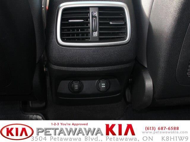 2017 Kia Sorento 2.0L LX Turbo (Stk: 19211-1) in Petawawa - Image 16 of 16