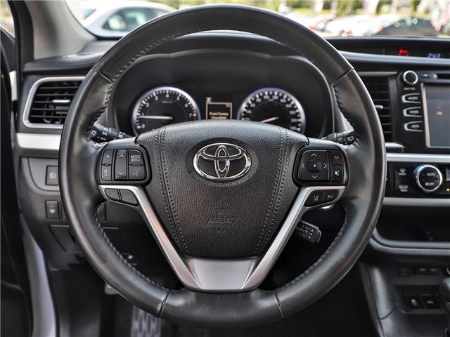 2017 Toyota Highlander XLE (Stk: P3523) in Welland - Image 14 of 23