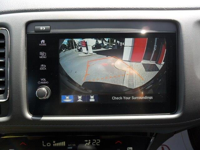 2019 Honda HR-V Sport (Stk: 10633) in Brockville - Image 2 of 26