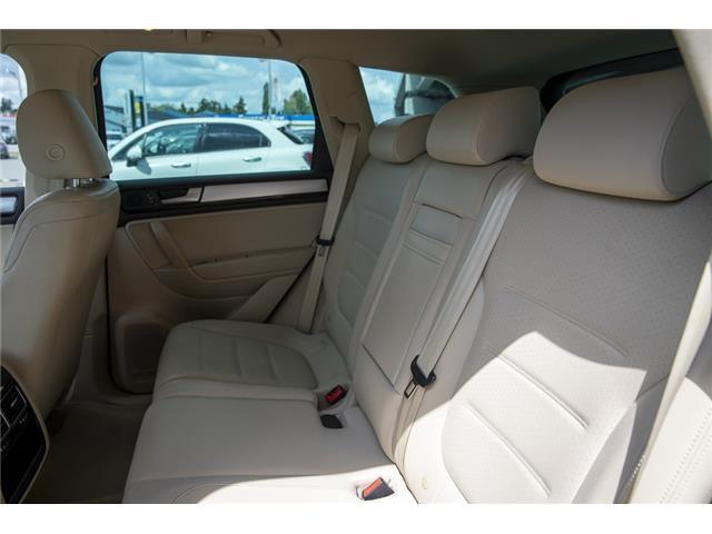 2012 Volkswagen Touareg 3.0 TDI Comfortline (Stk: LF5813) in Surrey - Image 12 of 25