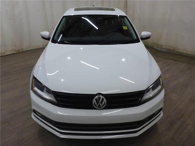 2017 Volkswagen Jetta Wolfsburg Edition (Stk: 19080204) in Calgary - Image 2 of 25