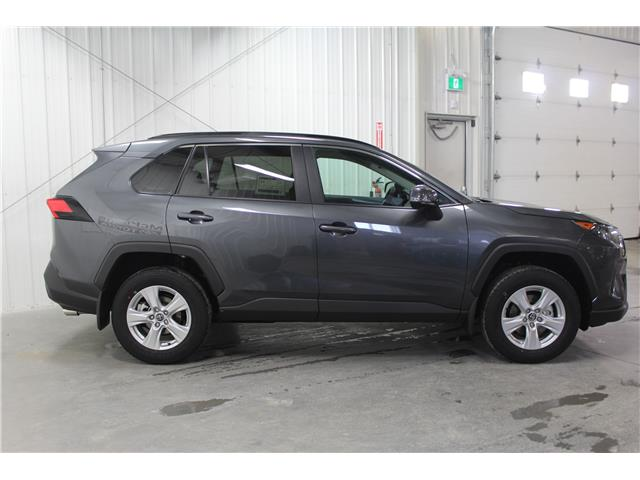 2019 Toyota RAV4 LE (Stk: C035387) in Winnipeg - Image 5 of 24